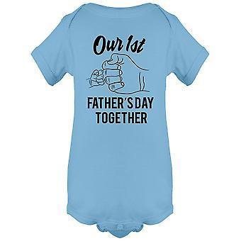 Ensimmäinen isä's Päivä yhdessä Body Baby's -Kuva Shutterstock
