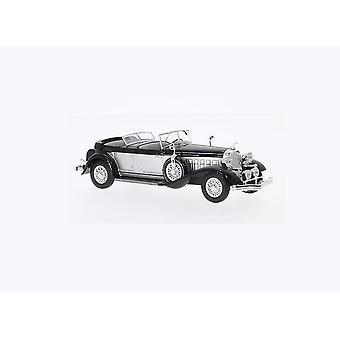 Chrysler Imperial Le Baron Phaeton (1933) Diecast Model Car