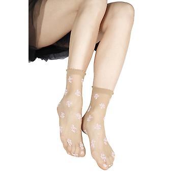 גרביים שקופות ואלגנטיות