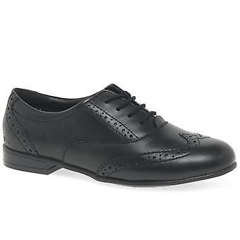 怒っている天使マチルダ シニア女子学校の靴