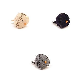 Navrhl Lotte textilní ptačí hračka