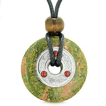Große keltische Triquetra Knot Amulett Glück Donut Charm Unakit Magic Schutz Anhänger Halskette