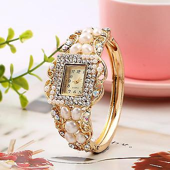 Fashionable Pearl Bracelet Diamond Watch Exquisite Ladies Dress women Quartz
