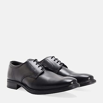 Gledhow black leather derby shoe