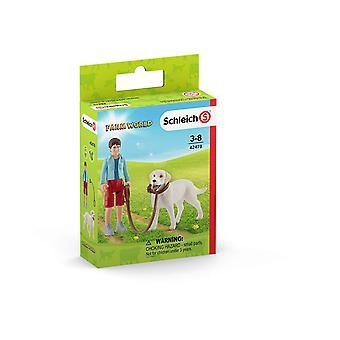 Schleich 42478 Farm World Walking med Labrador Retriever