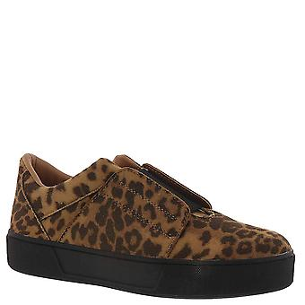 Volatile Womens Foxfire Low Top Slip On Fashion Sneakers