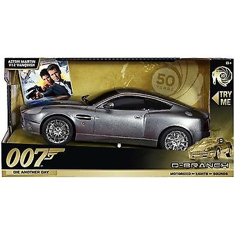 007  Lights & sound large car die another day