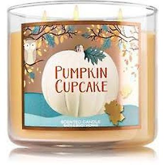 Bad & Body Works gresskar cupcake 3 Wick duftende stearinlys 14,5 oz/411 g
