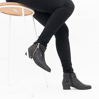 لوتس ماجي السيدات الجلود الكاحل أحذية الأسود