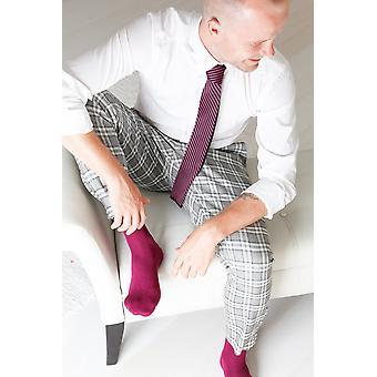 Men's Purple Viscose Socks And Purple Knitted Tie
