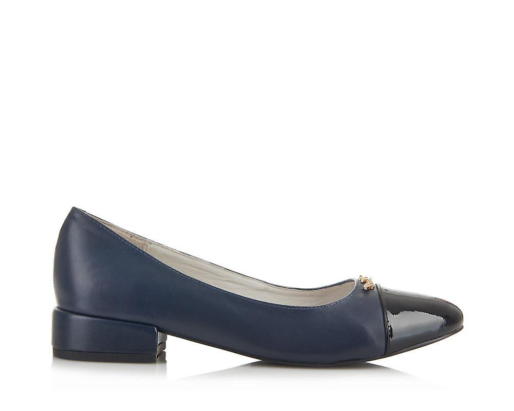 Cambridge navy shoes