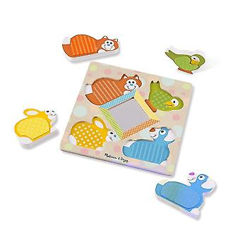 Melissa & Doug Peek-a-Boo Touch & Tunne Puzzle
