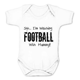 Falha de realidade shh eu estou assistindo futebol com as crianças múmia babygrow