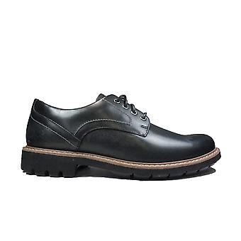 Clarks Batcombe Hall Black Leather Mens Derby Shoes
