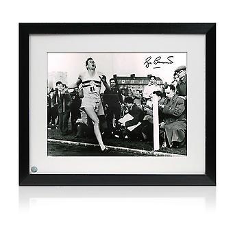 Roger Bannister signiert Foto: First Under 4 Minute Mile. Gerahmt