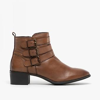لوتس ماتيلدا السيدات الجلود الكاحل أحذية تان
