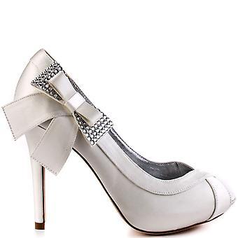נשים בורן ' בנעלי כלה לחתונה של אלקסה