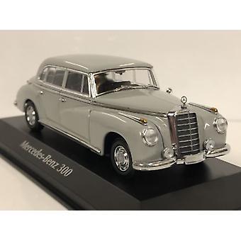 Maxichamps 940039061 1951 Mercedes Benz 300 Grey 1:43 Scale