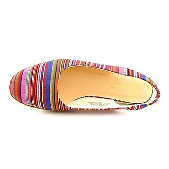 Beacon Womens Eastport Fabric Closed Toe Casual Espadrille Sandals