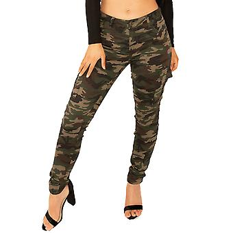 Mid Rise Camouflage Cargo Pantalones Pierna Corta - Verde Oscuro