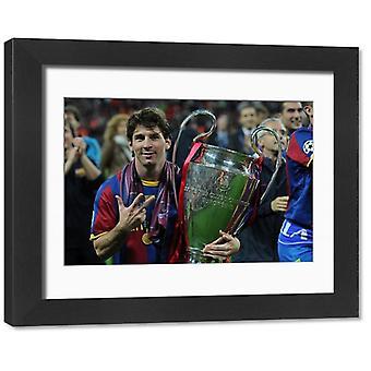 Lionel Messi met de Champions League trofee 2011. Ingelijste foto. Voetbal - UEFA Champions League.