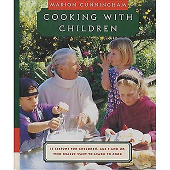 Cocinar con niños: quince lecciones para niños, de 7 años y hasta que realmente quieren aprender a cocinar