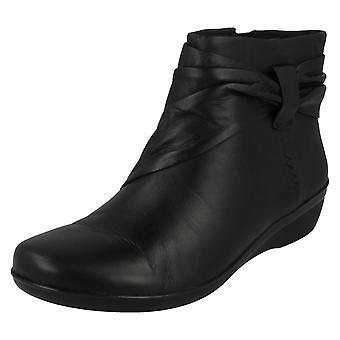 女士 克拉克·埃弗莱·曼迪·安克尔靴子