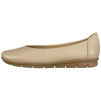 SOUL Naturalizer Womens Leyla Suede Closed Toe Loafers