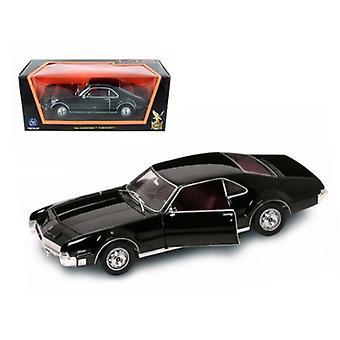 1966 Oldsmobile Toronado Black 1/18 Diecast Car Model par Road Signature