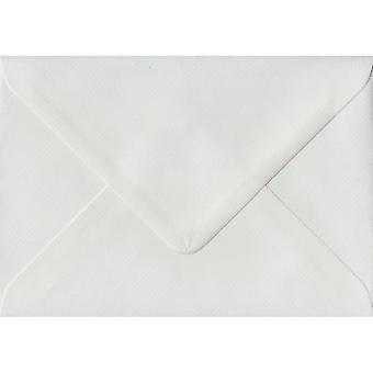 Hvid lagt gummieret C6/A6 farvet hvide konvolutter. 100gsm FSC bæredygtig papir. 114 mm x 162 mm. bankmand stil kuvert.