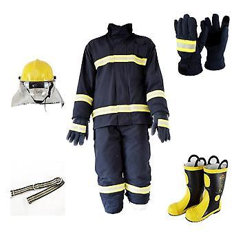 Palomies suojaa liekinkestävää tulipukua kypärällä, käsineet ja