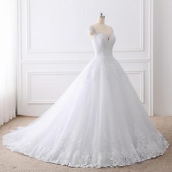 فساتين الزفاف ثوب الكرة