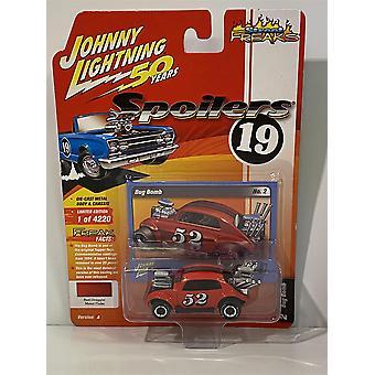 Bug Bomb Red Draggin Metal Flake 1:64 Johnny Lightning JLSF014A