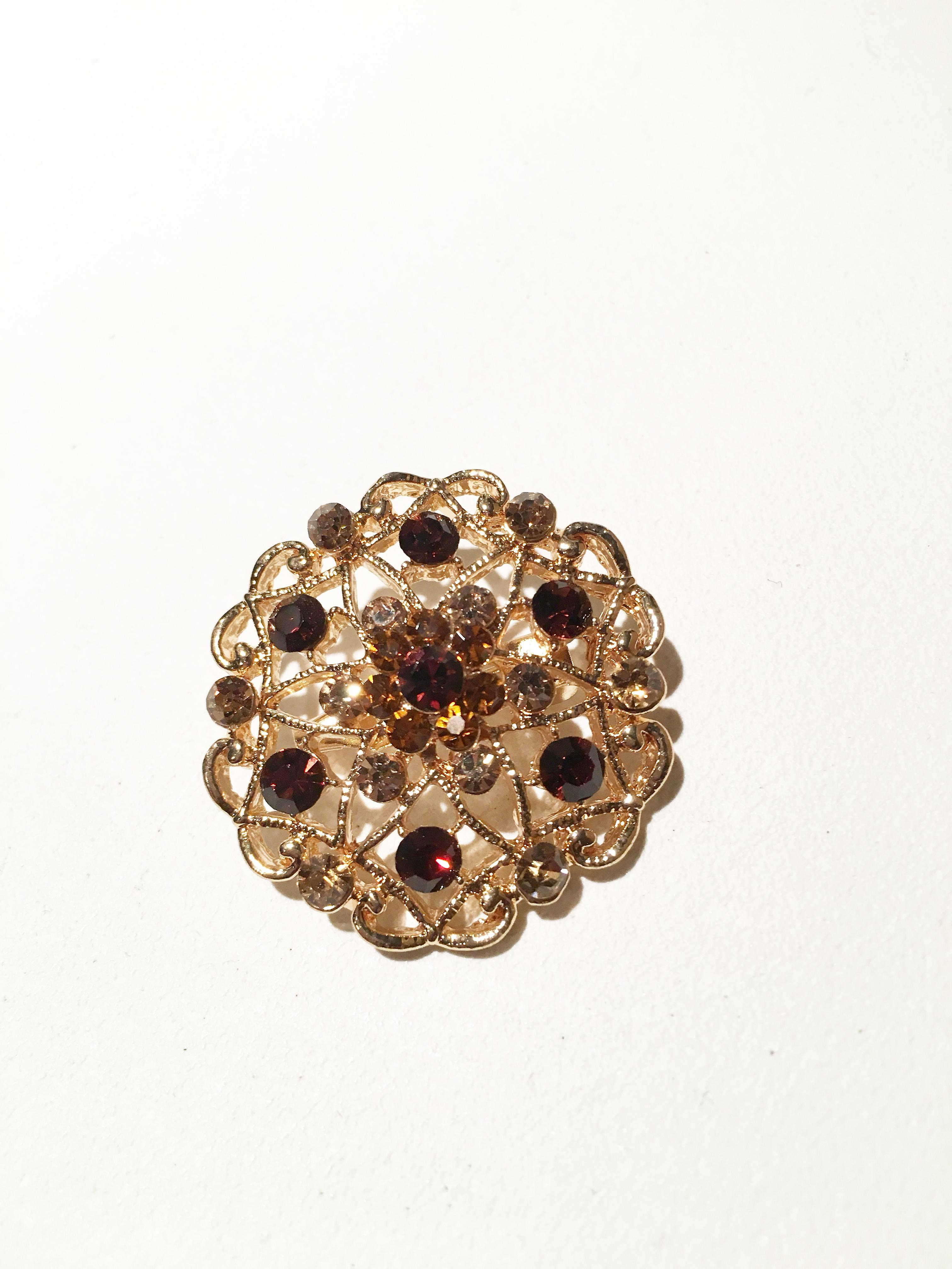 Gold and antique Brooch