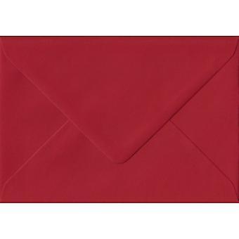 Scarlet Red gegomd C7/A7 gekleurde rode enveloppen. 100gsm FSC duurzaam papier. 82 mm x 113 mm. bankier stijl envelop.