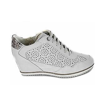 Geox Illusion Off D8254B00022C1002 universal ympäri vuoden naisten kengät