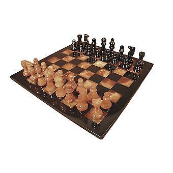 黑色和棕色阿拉巴斯特国际象棋集