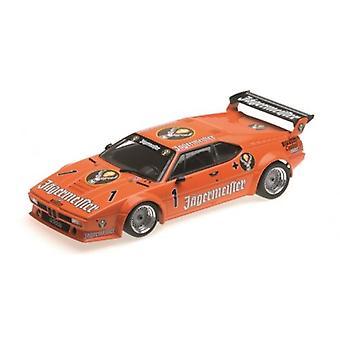 Minichamps 155822901 BMW M1 Auto Maass BMW Kurt Konig 1982 Scale 1:18
