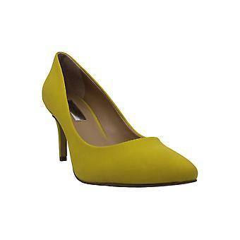 I.n.c. Naiset's Zitah teräväkärkiset toe pumput, luotu Macy's - Lemon