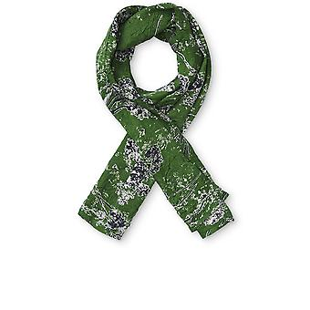 Masai Clothing Along Green Patterned Scarf