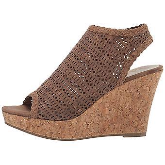 Fergalicious Women's Kealey Wedge Sandal