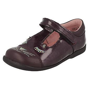 Escola de meninas Startrite t-bar sapatos bigodes do gato