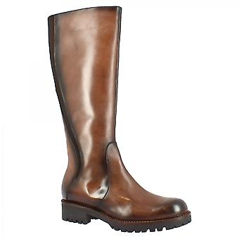 Leonardo Shoes Women's handmade round toe knee high boots with side zip closure in brown calf leather