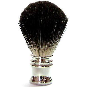 Kolay kullanım için gümüş renkli metal sapı ile stok saçtan yapılmış porsuk saç tıraş fırçası