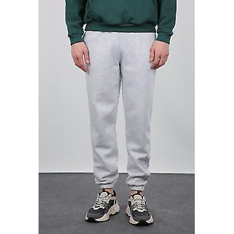 grå fillete menns joggebukser med elastiske ben