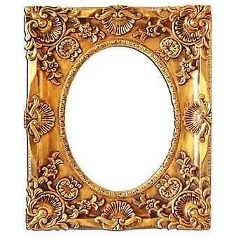 Inner dimensions 28x39 cm, frame in gold