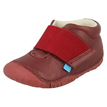女の子 Startrite 前歩行者の靴のバランス