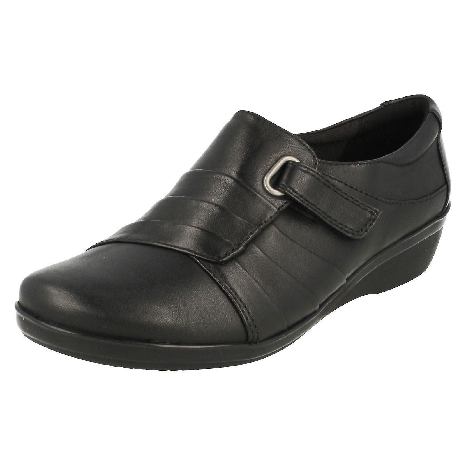 Ladies Clarks Low Wedge Smart Shoes Everlay Luna Eo95t