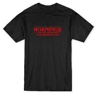 朝は、コーヒーと熟考ドリンク引用メンズ t シャツ