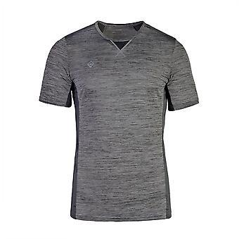 Izas Brescia Technisch, licht en ademend T-shirt voor heren. Perfect voor uw activiteiten. Man